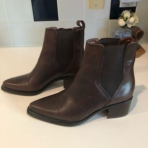 86c5b53698a Andre Assous Shoes - Western Chelsea boots. Andre Assous